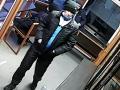 В Новокузнецке разыскивают мужчину, совершившего кражу в «Подорожнике»: видео