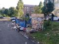 «Помойка, а не двор»: мусорные горы «атаковали» кузбассовцев
