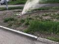 На Ильинке после подачи горячей воды образовался фонтан из-под земли