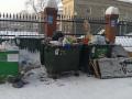 Гора мусора образовалась под окнами новокузнечан
