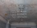 Из-за разобранной крыши дома у кузбассовцев затопило квартиру — соцсети