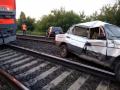 Под Новокузнецком поезд врезался в легковушку