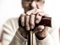 Эксперты рассказали, почему нельзя хранить пенсию на банковской карте
