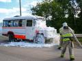 В Кузбассе двое людей пострадали при пожаре в микроавтобусе